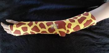 Hele arm overtrek hoes gips in textiel-Giraf met duim opening