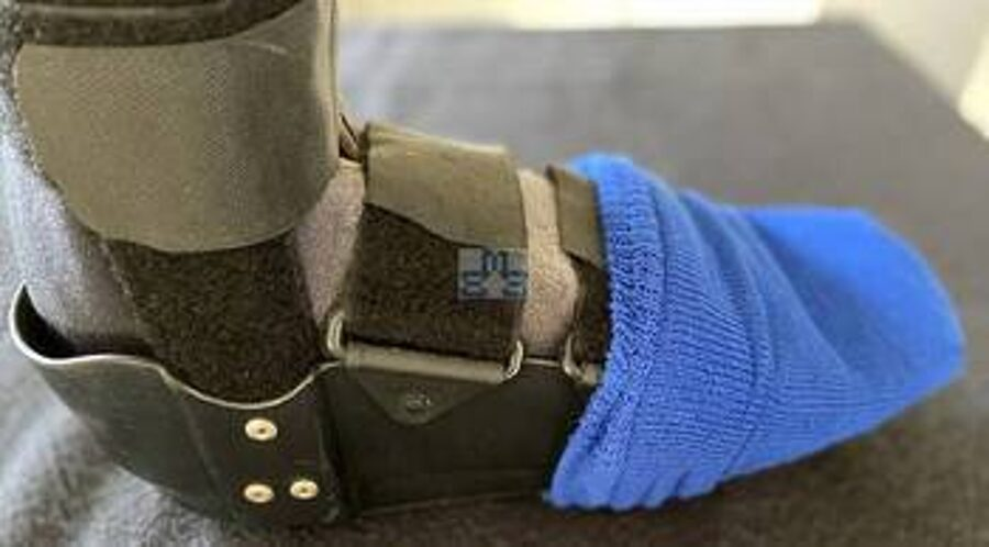 Cast sock cover for cold toes and feet 2,8€ Plaster cast socks pair 5,95€